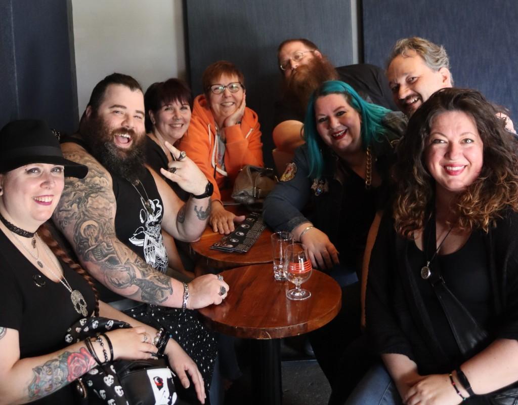 Amanda, Boggs, Traci, Karla (mom), Seth, Me, Andy and Johnna
